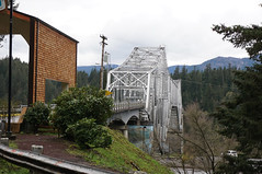 DSC01887.omi (nordamerica1) Tags: 2017 april spring pacific northwest nw oregon columbia river gorge mountains fog low clouds bridge gods highway hwy 14