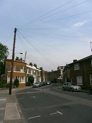 HUMANWEB (HRMDINOSAURIO) Tags: londres london streetphotography postes poles
