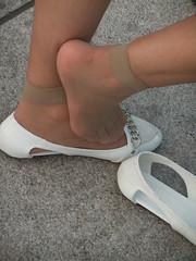 Candid feet from China (310) (Candid 100%) Tags: asian candid feet nylon pantyhose chinese china shoeplay dangling dipping toes soles foot shoes ballet flats high heels pumps sandals külotlu çorap ayak füsse strumpfhose калготкі чорапогащник pantis punčocháče strømpebukser sukkpüksid sukkahousut collants media calza καλσόν harisnyanadrág パンティーストッキング 팬티 스타킹 zeķbikses pėdkelnės جوراب شلواری rajstopy meiacalça ciorapi колготки унихоп pančucháče hlačne nogavice strumpbyxor קאָלגאָטקעס broekiekס