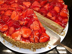 Erdbeertorte / Strawberry Cake (wuestenigel) Tags: noperson keineperson food lebensmittel fruit frucht sweet süs delicious köstlich strawberry erdbeere berry beere grow gröserwerden breakfast frühstück refreshment erfrischung jam stunde sugar zucker cake kuchen cream sahne homemade selbstgemacht nutrition ernährung pie zu baking backen pastry gebäck closeup nahansicht