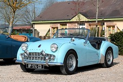 Triumph TR3 (seb !!!) Tags: 2017 auto automobile automovel automovil automobil cabriolet decapotable decouvrable convertible roadster spider spyder canon 1100d cars anciennes ancienne old oldtimers populaire voiture wagen car coffee breuilpont seb france grande bretagne anglais anglaise english british britain england photo picture foto image bild imagen imagem bleu blau blue azul blu classique classic klassic chrome