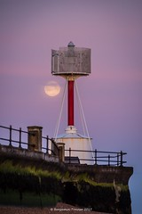 Egypt Point and the pink moon (frattonparker) Tags: nikond810 tamron28300mm raw lightroom6 solent isleofwight frattonparker btonner cowes balise daymark tourelle basket seawall moon luna