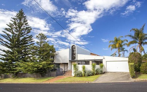 2 Pine Street, Batehaven NSW 2536