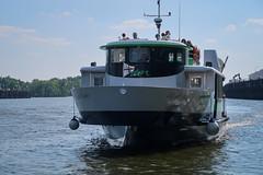 Navibus Nantes (chilirv) Tags: navibus nantes bateau tan semitan loire transport fleuve hangaràbananes anneauxdeburen iledenantes
