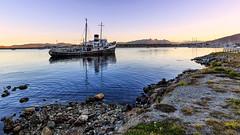 USH.18 (G.Paskudzki) Tags: ship port ushuaia terradelfuego water sunset mountains travel lansdscape