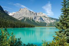 Emerald Lake, Canada (Mantas Volungevicius) Tags: canada alberta british columbia emerald lake nikon ble sky mountains summer sunny amazing peak summit sun warm d7000 travel inspiration yoho natural park banff national
