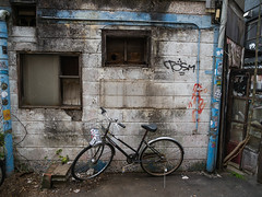 中野 (Chikage A) Tags: tokyo japan nakano olympus omd em5 mzuiko digital ed 12100mm f40 is pro street bicycle wall