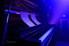 Cool down (Maxime Poulin) Tags: indoor music musicinstrument piano scene blue