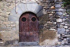 Montañana (Aragon/Espagne) (PierreG_09) Tags: españa architecture spain village aragon porte espagne portail espanya montañana