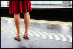 the red skirt (TheOtherPerspective78) Tags: vienna wien red woman color colour rot lines rock canon underground legs tube evil skirt ubahn frau farbe folds beine linien falten eosm mirrorless signalfarbe faltenrock systemkamera theotherperspective78 efm1855mm