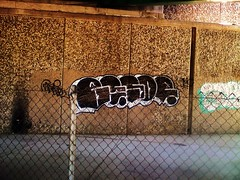 throws (GirlscoutcookiE) Tags: bridge black up graffiti highway sac 99 lincoln sacramento 50 80 gmc beso throw fill 916 besor throwie