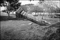 Anuradhapura Sri Lanka (Alexandre Moreau/Hydroquinone) Tags: film pilar analog temple bessa d76 srilanka anuradhapura r2m epson700 alexandremoreau