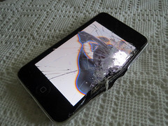 Ipod Smashed (MasterGeorge) Tags: broken ipod cliffs 3g smashed scientists