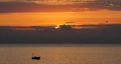 Pescando al amanecer (saki_axat) Tags: bermeo amancer arribolas canonikos