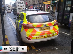 Hyundai i30 Estate Glasgow 2013 (seifracing) Tags: uk scotland europe britain glasgow police vehicles british emergency hyundai polizei spotting services policia iveco brigade polis polizia ecosse policie 2013 vux seifracing eo62