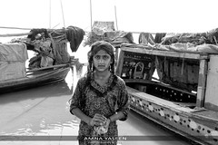 Mohana series (Amna Yaseen) Tags: girl washing boathouse indusriver mohana people 2017 punjab pakistan monochrome travel taunsabarrage downstream