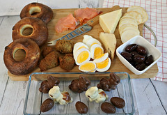 2017 Sydney: Good Friday afternoon tea (dominotic) Tags: 2017 food goodfridayafternoontea easter homemadebagels smokedsalmon falafel cheeses kalamataolives boiledeggs waferbiscuits easterbunnychocolate eastereggs snackfood confectionery lolly sweets chocolate