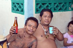 may songkran never end! (the foreign photographer - ฝรั่งถ่) Tags: celebrating songkran cheap whiskey whisky red two men tattoos khlong thanon portraits bangkhen bangkok thailand nikon d3200