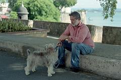 Friends (Eddie La Mole) Tags: murallas oldwalls freinds oldsanjuan dog c41 color film 35mm canonelan7ne portra160 ef50mm18