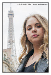 Britney and the Eiffel Tower (Doyle Wesley Walls) Tags: bb 0175 women girl female lovely pretty blonde rubia blondine ブロンド blondin בלונדינית blondýnka loira blond شقراء блондинка blondynka face cara faccia tvář ansigt gezicht gesicht retrato ritratto porträt portret lips labbra lèvres lippen femenino kvinde féminin weiblich femminile kvinna mädchen ragazza flicka fille ガール jente dziewczyna chica žena mujer femme kobieta donna fotografía fotografia foto photographie фотография fotografi fotografie eiffeltower parisfrance longhair teen piękny bonita hermosa guapa vacker smuk bonito lindo schön britney doylewesleywalls