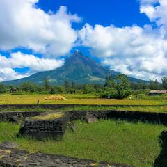 Mayon_Cagsawa (mariaisquixoticc) Tags: daraga bicol philippines ph