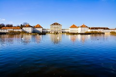 Nymphenburg Palace 🏫 (oscardiaz10) Tags: nymphenburg nymphenburgpalace schlossnymphenburg munich münchen bavaria bayern palace lake reflection reflex nikon nikon7100 nikond7100 d7100 nikondeutschland landscape lightroom ilovemunich ichliebemünchen