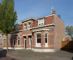 Rijen - Pastoor Gillisstraat (grotevriendelijkereus) Tags: rijen netherlands holland nederland noord brabant town village dorp building gebouw architecture architectuur house huis