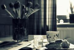 _on a sunday morning (SpitMcGee) Tags: breakfast frühstück kaffee coffee birnengelee pearjelly croissant sonntagszeitung sundaynewsletter gegenlicht fenster window sonntag sunday stillleben stilllife spitmcgee