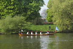TP50 (EmmaDurnford) Tags: tudorpull 2017 hamptoncourtplace molesey teddington riverthames watermen annual rowing event palaces stela watermanscompany gloriana thamestraditionalrowingcompany flags pennants royalarms henryv111 king tudors livery boats vessels teams