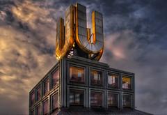 Dortmunder U (ellen-ow) Tags: dortmunderu gebäude geschäftshaus architektur himmel wolken sky clouds light licht dach lichtstimmung ellenow nikond5 gold goldig atmosphäre sonnenlicht