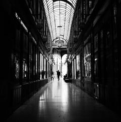 Tableaux parisiens : Passage du Bourg-l'Abbé (Dona Quichotte) Tags: paris rolleiflex