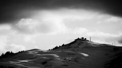 Mont Bisanne au coucher. (steph20_2) Tags: panasonic gh3 100300 m43 monochrome monochrom montagne mountain neige savoie alpes paysage noir noiretblanc ngc blanc black bw white skanchelli