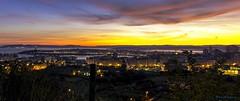Amanece en A Coruña. (gatetegris) Tags: coruña galicia acoruña lacoruña amanecer nocturna ciudad city sea mar atlantic atlantico españa spain mycity urban night cielo sky nubes cidade atlanticocean oceano ocean oceanoatlantico