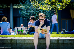 DSC03357 (KNPhotoLondon) Tags: sony a6000 e18105g london sunnyday men street streetphotography cityoflondon urbanlife
