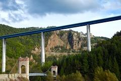 L'Entre-deux Ponts (danidan's) Tags: pont histoire nature opposition