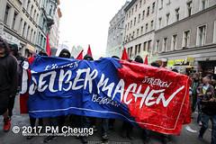 Revolutionäre 1. Mai Demonstration - 30 Jahre revolutionärer 1. Mai! – 01.05.2017 – Berlin - IMG_9145 (PM Cheung) Tags: berlin antifa revolutionäre1maidemonstration 01052017 kreuzberg neukölln 1maidemo pmcheung polizei schwarzerblock ausschreitungen 2017 mengcheungpo protest linksradikale demonstration g20 g20hamburg zwangsräumungen verdrängung autonome revolutionäre1maidemo2017 krawalle gentrifizierung flüchtlinge kapitalismus pomengcheung herauszumrevolutionären1mai2017 spreewaldplatz erdogan hayir antikapitalismus organize selbstorganisiertgegenrassismusundsozialeausgrenzung rassismus sozialeausgrenzung walpurgisnacht mieterprotest myfest friedel54 1mai2017 facebookcompmcheungphotography demo stadtumstrukturierung selbstorganisation b0105