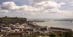 Dover (Tony_Brasier) Tags: dover kent england nikond7200 16mm85mm sea po bluesky beach boats