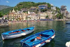 Amalfi, Italy (Coldpix) Tags: sea summer vacation italy beach boats italia mare campania amalficoast sunny explore napoli positano sorrento julius sunbathing ravello amalfi salerno costiera vietri amalfitana costieraamalfitana cetara sorrentoedintorni jjamv