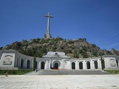 El Valle de los caidos (Cheguevara327) Tags: madrid heritage monument de los spain europe general valle communist hero dictator ruler fascist franco callidos gravw