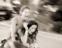 jeunesse (2) (phil-eye) Tags: girls canon reflex divers pub noiretblanc cannes couleurs humour jeunesse vision cascades pubs rue vlo filles insolite femmes gens regards vitesse fil effets streetarts 60d canon60d