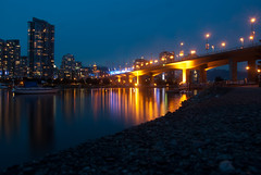 Cambie Bridge & BC Place (Thomas Rousselot) Tags: bridge canada reflection night vancouver creek bc pacific pacificocean falsecreek cambie false cambiebridge