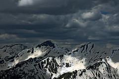 _MG_9253comp (longuesposes) Tags: lightpainting ice alpes nightscape glacier neige stalactites glace montagnes milkyway startrail glacierblanc crins voielacte cascadesdeglace paysagesnocturnes paysagesnocturne