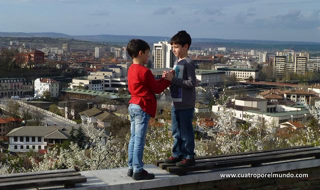 Vistas de Lovech desde lo alto de la fortaleza