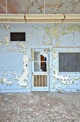 (jesiiii) Tags: school ohio urban building abandoned decay ruin adventure explore peel leftbehind notforgotten urbanex exploremore