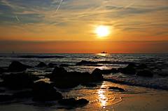 Sonnenuntergang an der Nordsee (Andy von der Wurm) Tags: sunset beach nature strand golden coast colorful europa europe sonnenuntergang belgium belgique northsea hour colourful oostende nordsee belgica farbig küste goldene belgien kueste ostende stunde hobbyphotograph westflandern andreasfucke andyvonderwurm