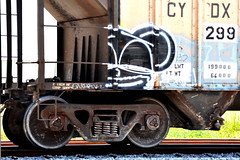 (NTHESTREETS) Tags: streetart graffiti orlando florida traintracks tracks trains cargo rails spraypaint boxcar graff railways freight trainyard trackstar trackside csx freights quirk spraycans theyard monikers moniker benched benching fr8s fcen nthestreets