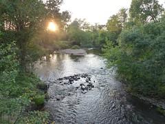 Rzeka Świder za mostem w Gliniance