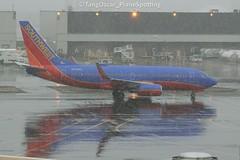 N259WN (thokaty) Tags: bos kbos bostonloganairport southwestairlines boeing b737 b737ng b737700 b7377h4 n259wn eis2006 bwi arrival