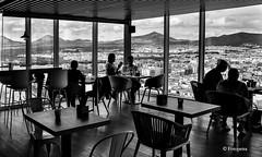 Cafe mit Aussicht (petra.foto busy busy busy) Tags: urlaub holiday lanzarote insel spanien espania fotopetra canon 5dmarkiii arrecife architektur gebäude aussicht monocrom schwarz weis vulkanberge restaurant hochhaus cafe
