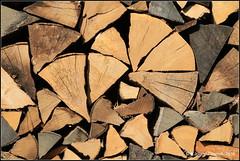 Brennholz (Jolanda Donné) Tags: holz brennholz holzbeige oktober oktober2015 20102015 canoneos70d